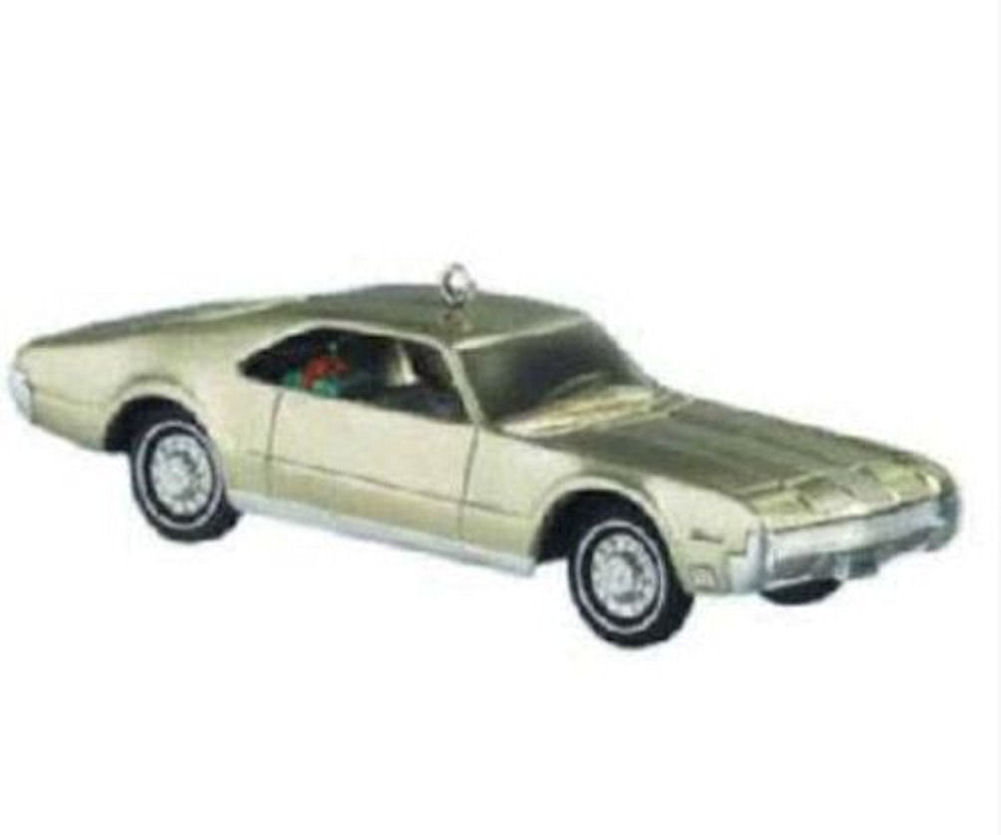 Hallmark Ornament 2004 1966 Oldsmobile Toronado Coupe